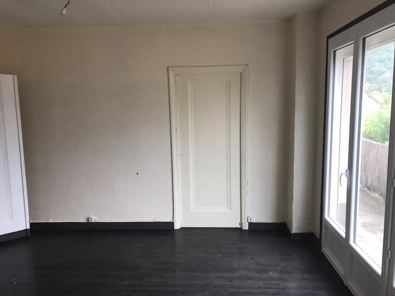 immeuble entier avec 4 appartements et 6 garages  u2013 cv