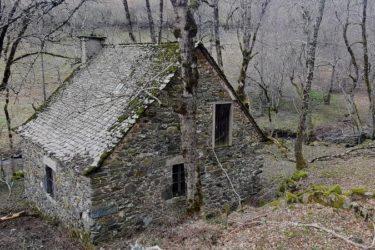 MOULIN avec terrain de 12 582m2 - Aubrac